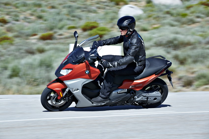 bmw-c650-sport-and-c650-gt-riding-0001-850x567